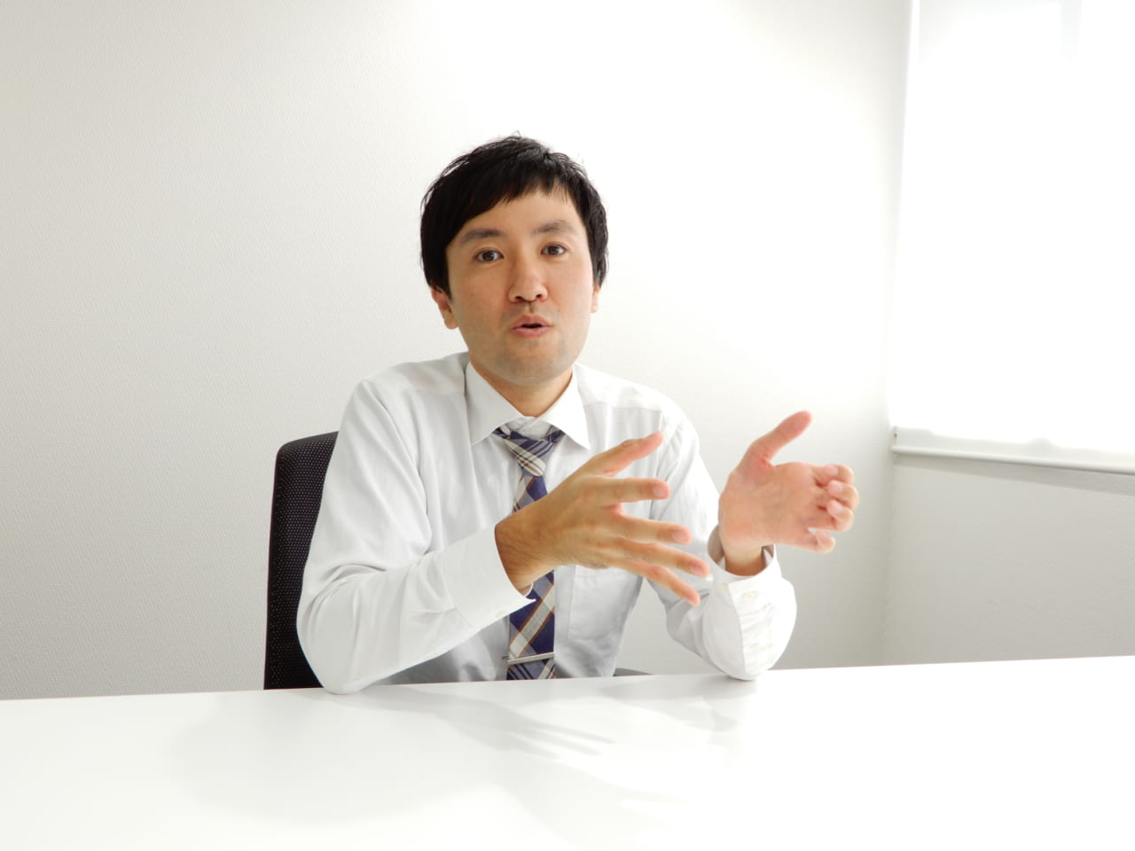 ヒロセ通商東野さん話す様子1
